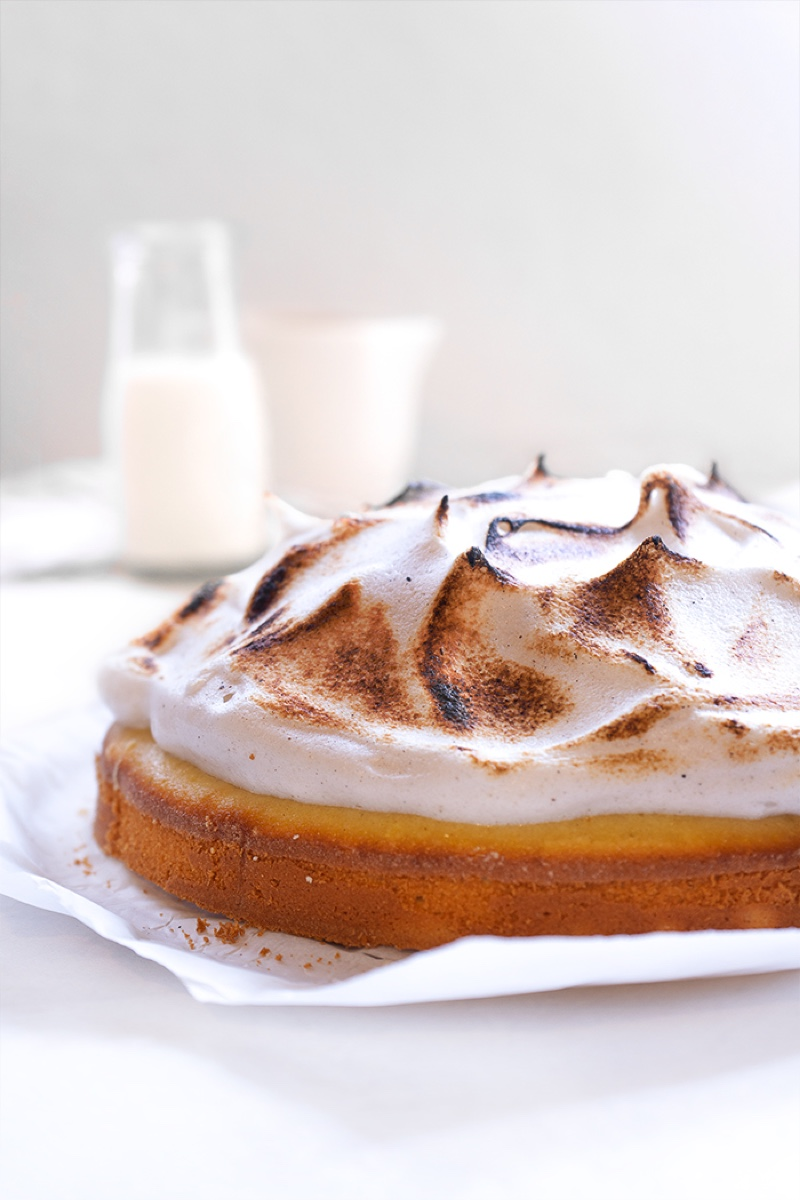 Toasted Vanilla Meringue Cake